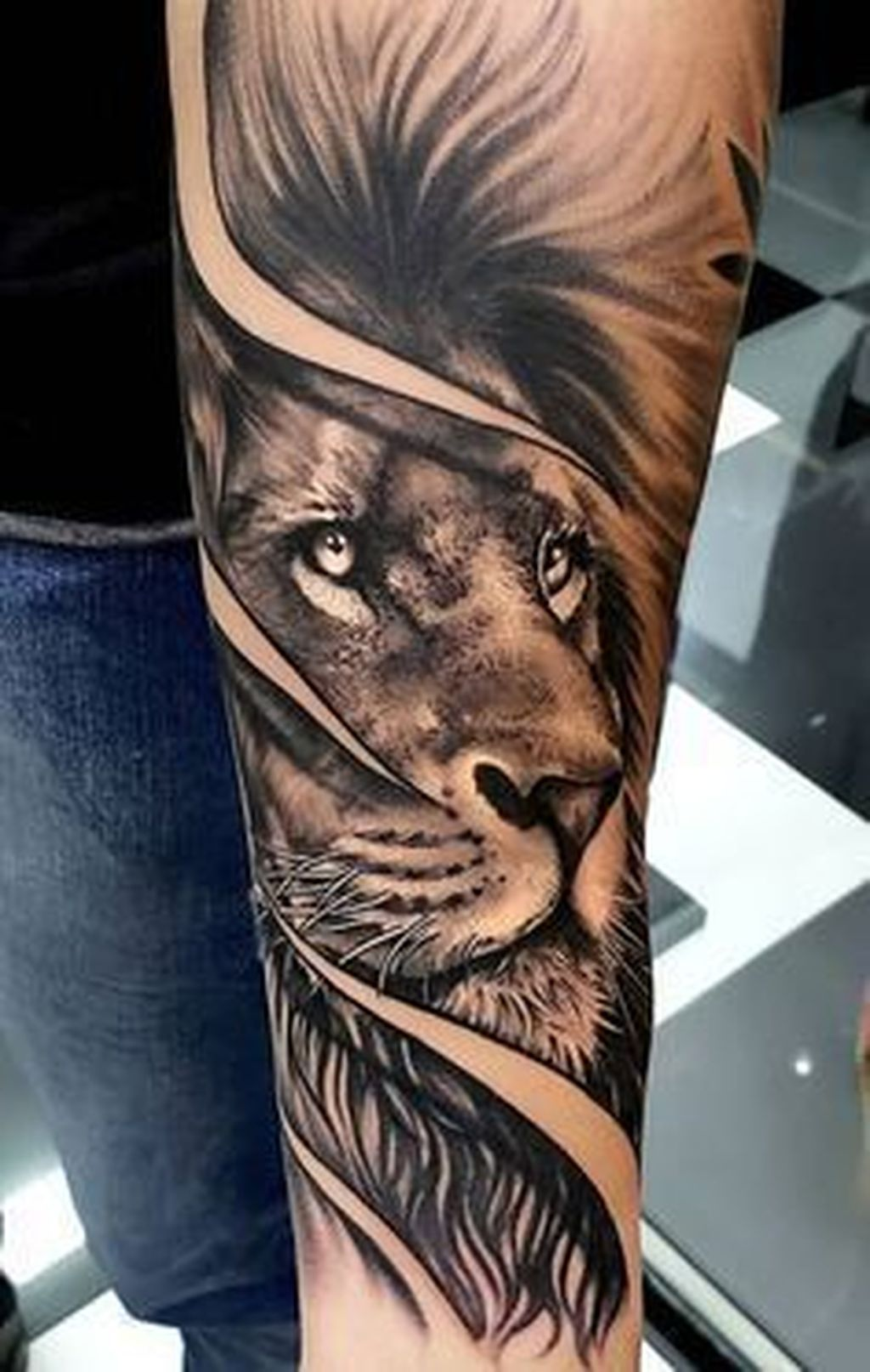 46 Excellent Shoulder Tattoo Design Ideas For Men You Can Do Matchedz Mens Lion Tattoo Lion Tattoo Sleeves Lion Forearm Tattoos