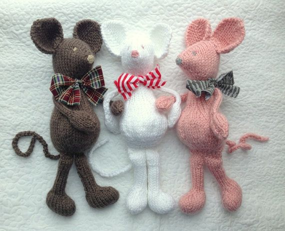 MoUSE KNiTTING PaTTERN Soft Toy PDF por MadAboutColourPatern
