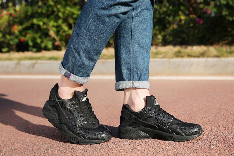 c293774885833 nike Nike Air Huarache Black Safari On Feet