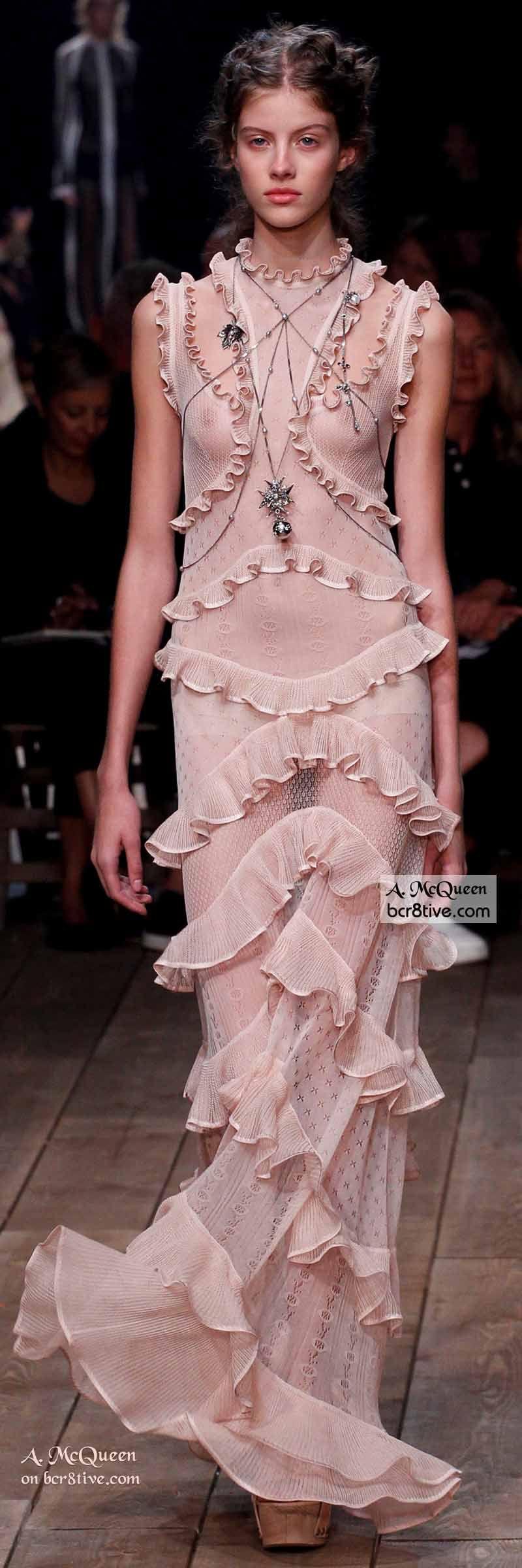 Moderno Vestido De Novia De Alexander Mcqueen Adorno - Colección de ...