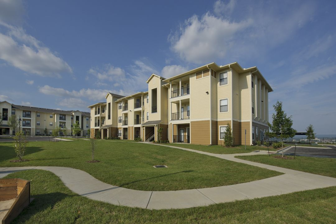 Domain At Town Centre In Morgantown West Virginia Wvu Student Housing Development Www Assetcampus Com Student House Morgantown House Styles