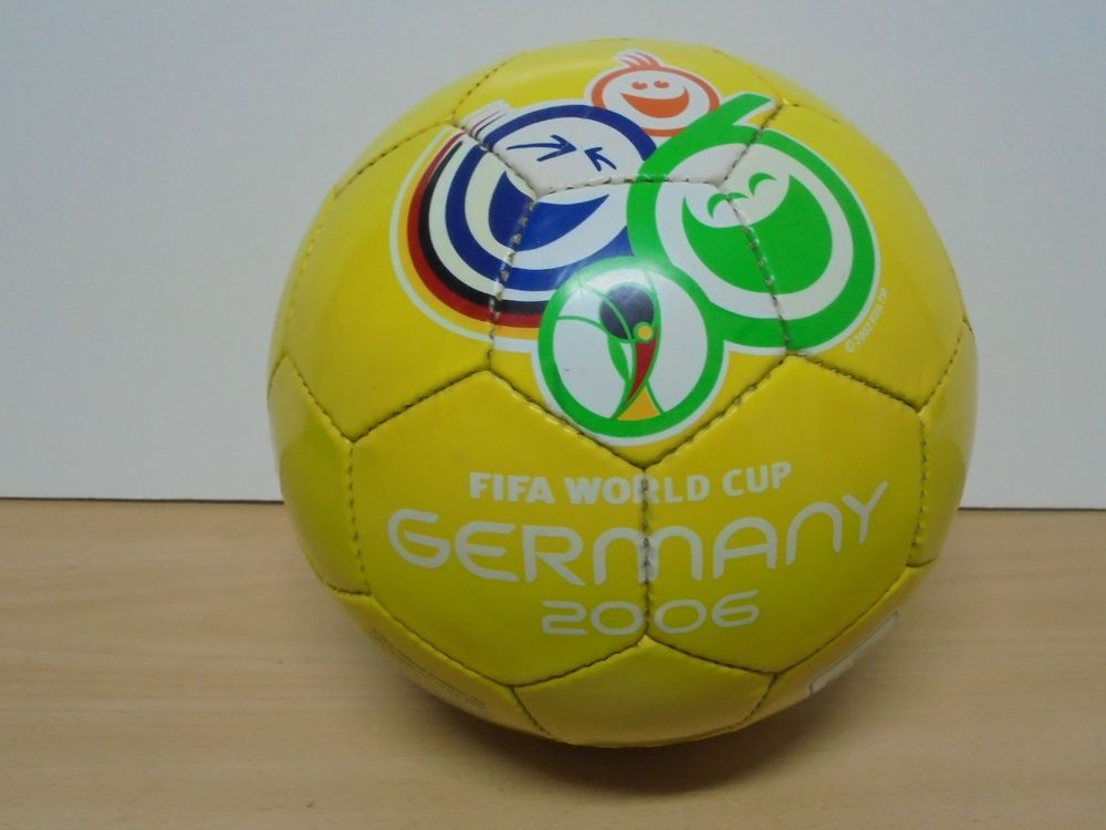 Ball Football Soccer Fifa World Cup Germany 2006 Goleo Mascot Official Product Ebay