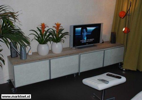 Witte Kast Ikea : Om te onthouden: simpele witte kast met steigerhout on top idee