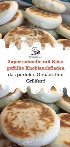 Super schnelle mit Käse gefüllte Knoblauchfladen – das perfekte Gebäck fürs Grillfest! #schnellepartyrezepte