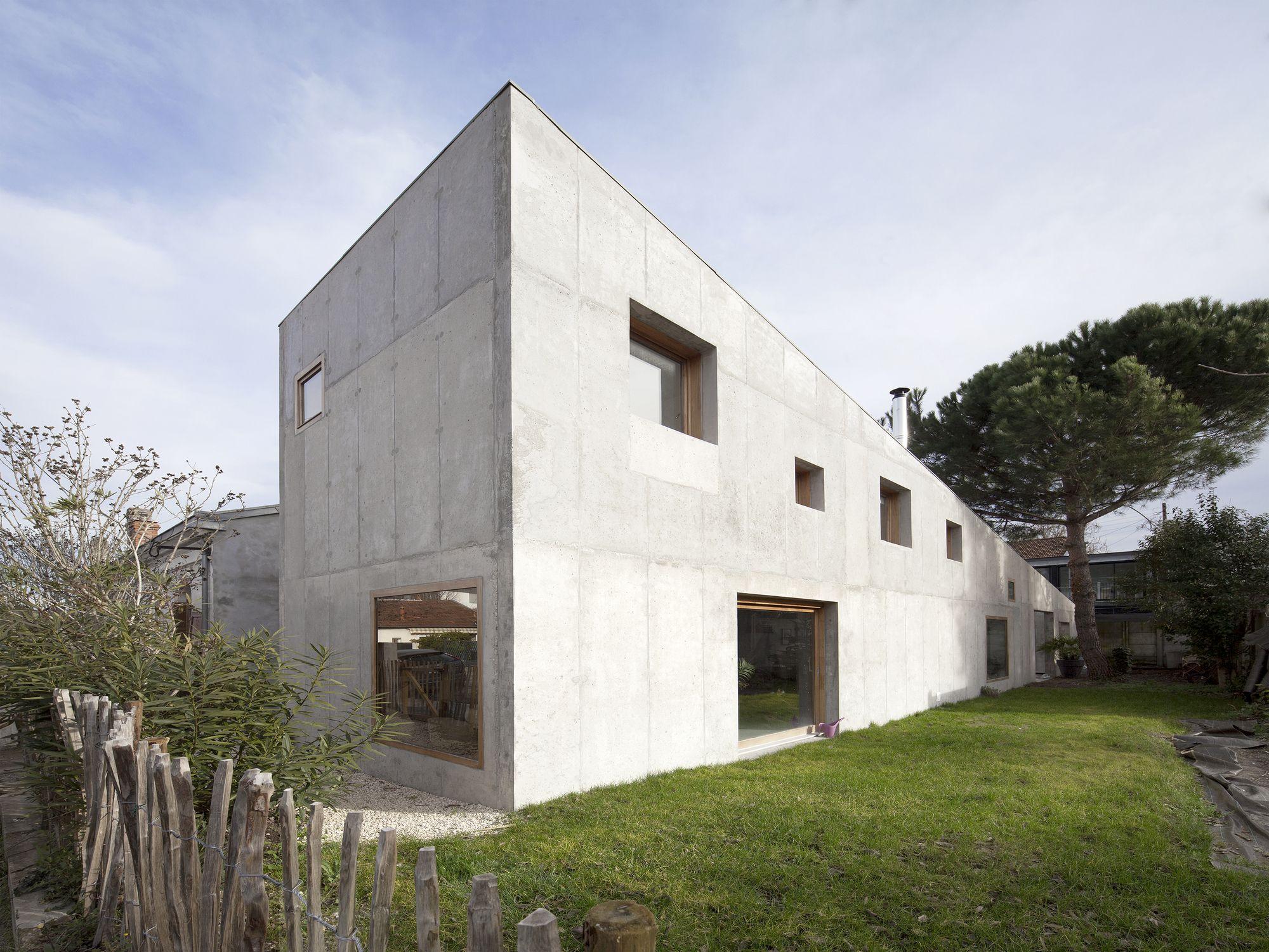 Aly House More Architecture Architecture Concrete Facade House
