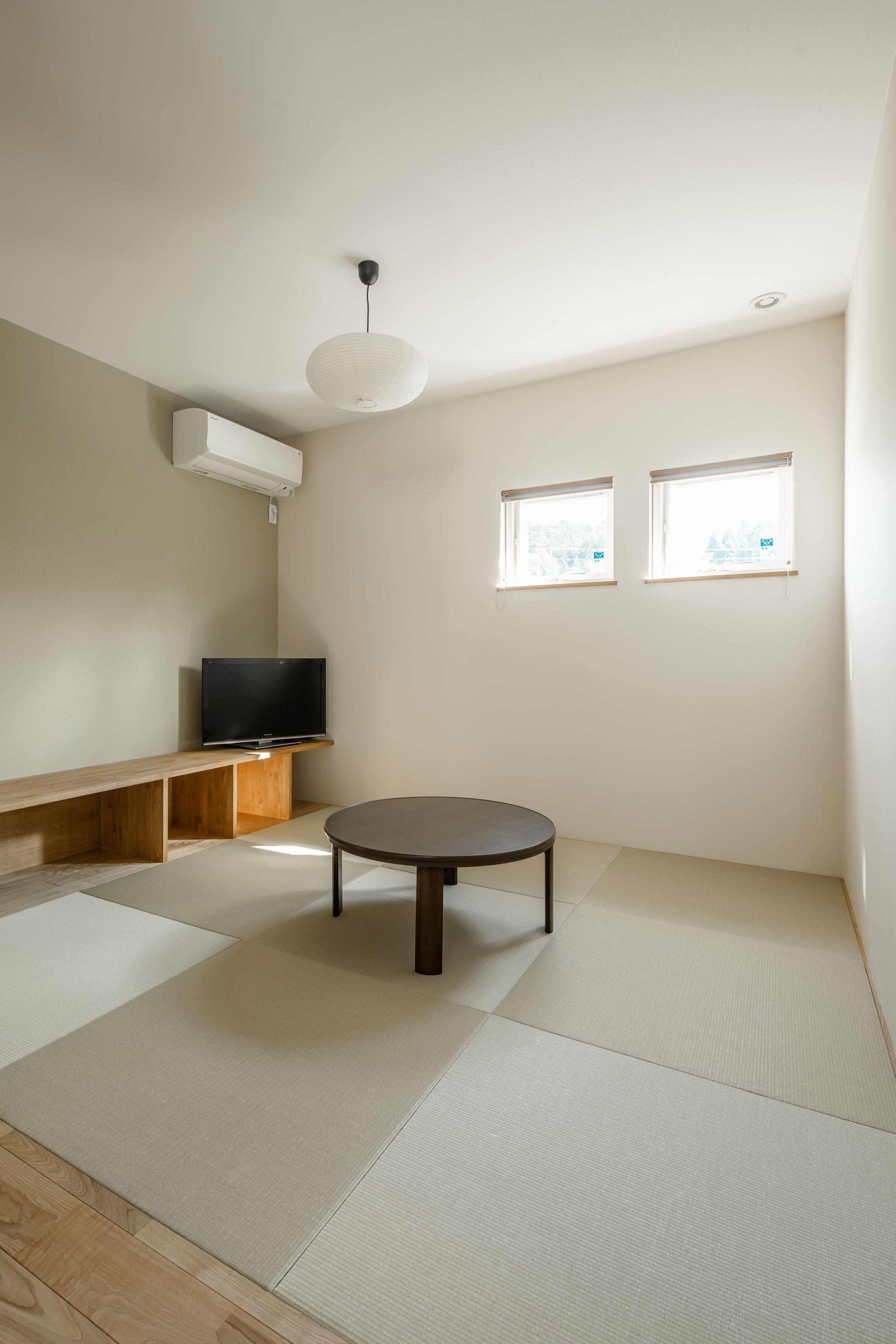 使い方いろいろな造作ベンチを置いたモダンな和室 ルポハウス 設計