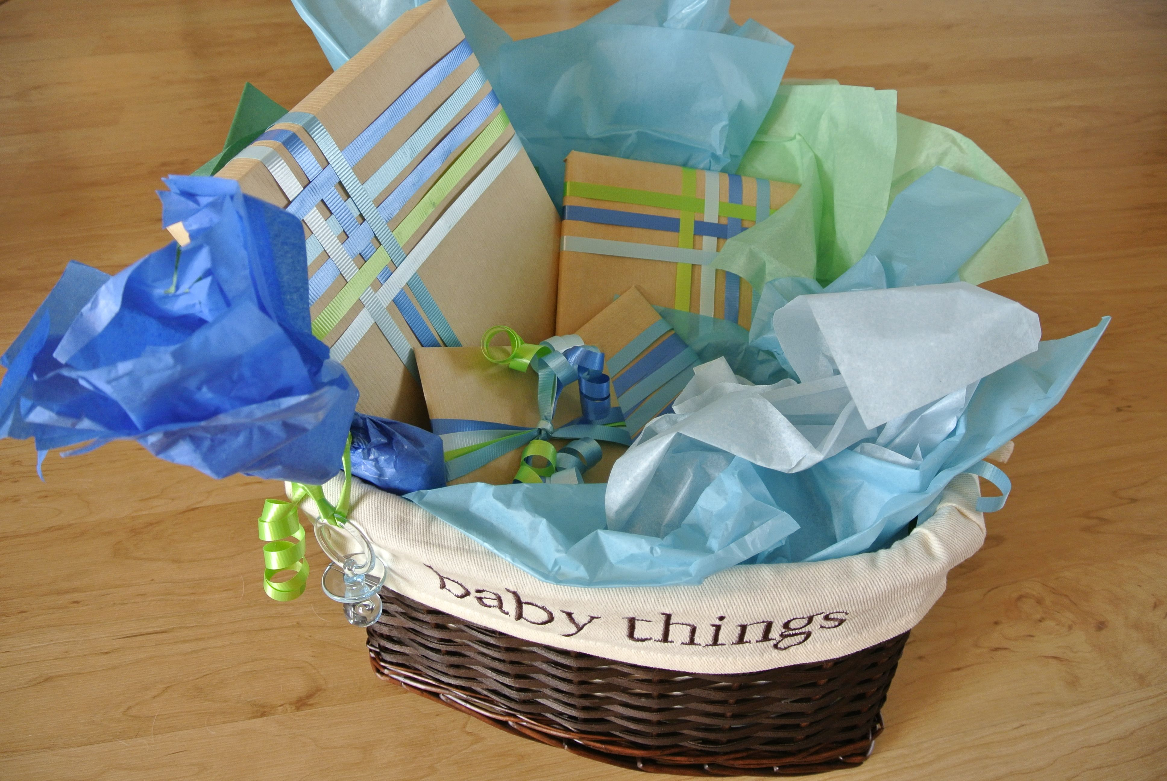 Baby gift wrap inspired by pinterest baby gift wrapping