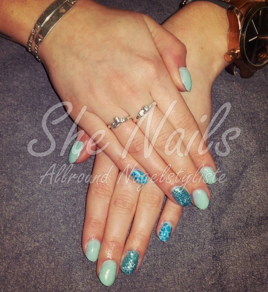 Blauwe acrylnagel met nail art #tijgerprint   Acryl Nails <3   Pinterest