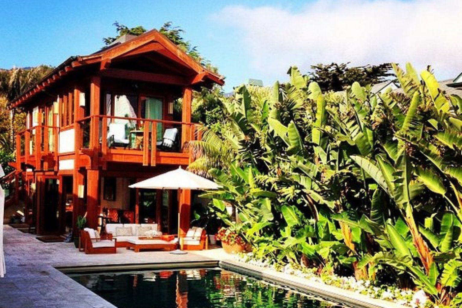 Photo The Real James Bond Lives Here Malibu Homes Celebrity Houses House Styles