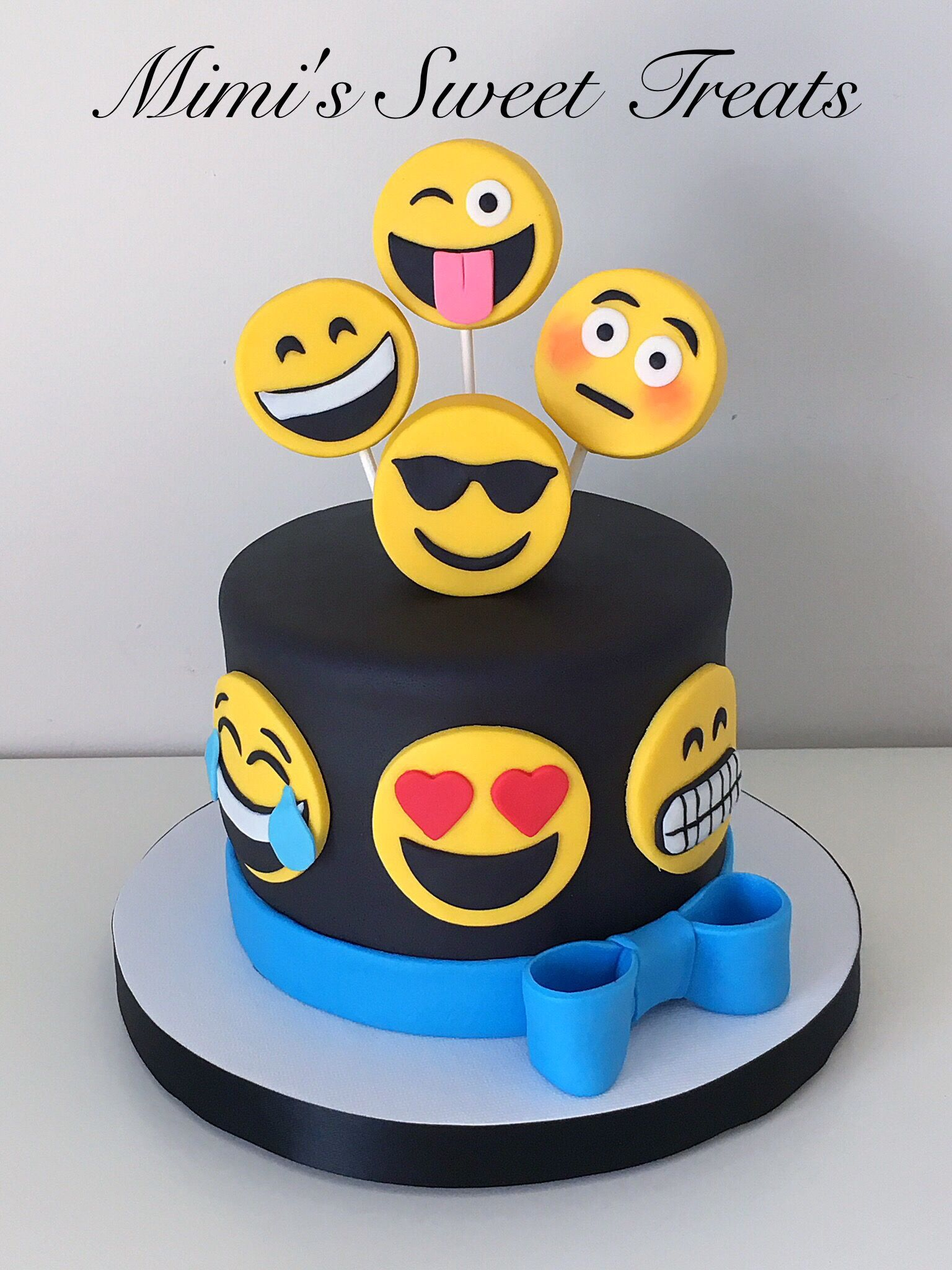 Emoji Cake With Rice Krispie Marshmallow Fondant Covered Topper