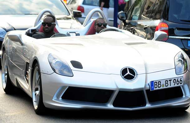 Kanye West Drives To Elton John Party In 1 7 Million Limited Edition Mercedes Sports Car Celebrity Cars Mercedes Sports Car Mercedes Sport