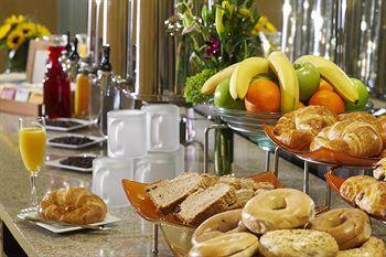 Amalfi Hotel Chicago Breakfast mmmmhhh I remember our breakfast !!!!
