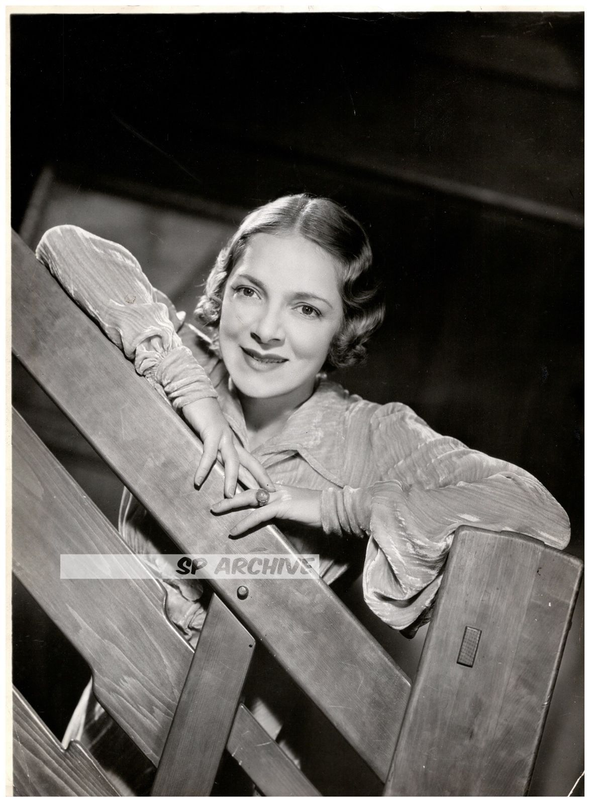 1935 rare original photo actress helen hayes first lady. Black Bedroom Furniture Sets. Home Design Ideas