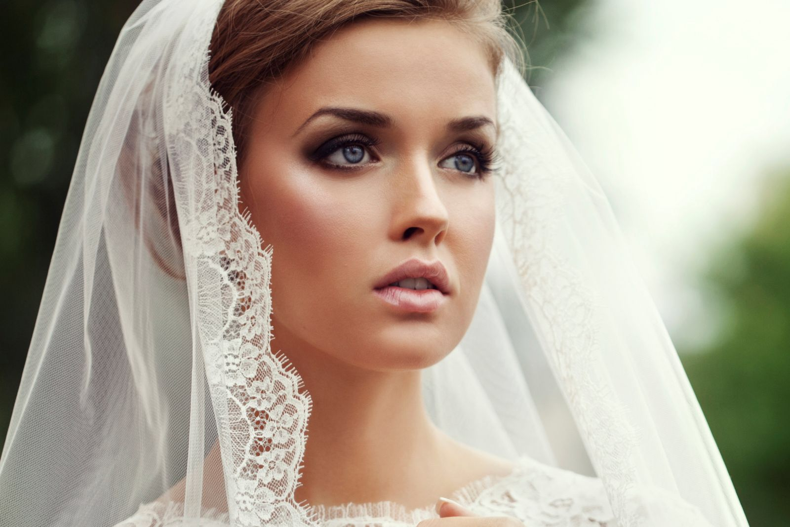 This bridal look would be the definition of exquisite high-end elegance with Lotus Mink