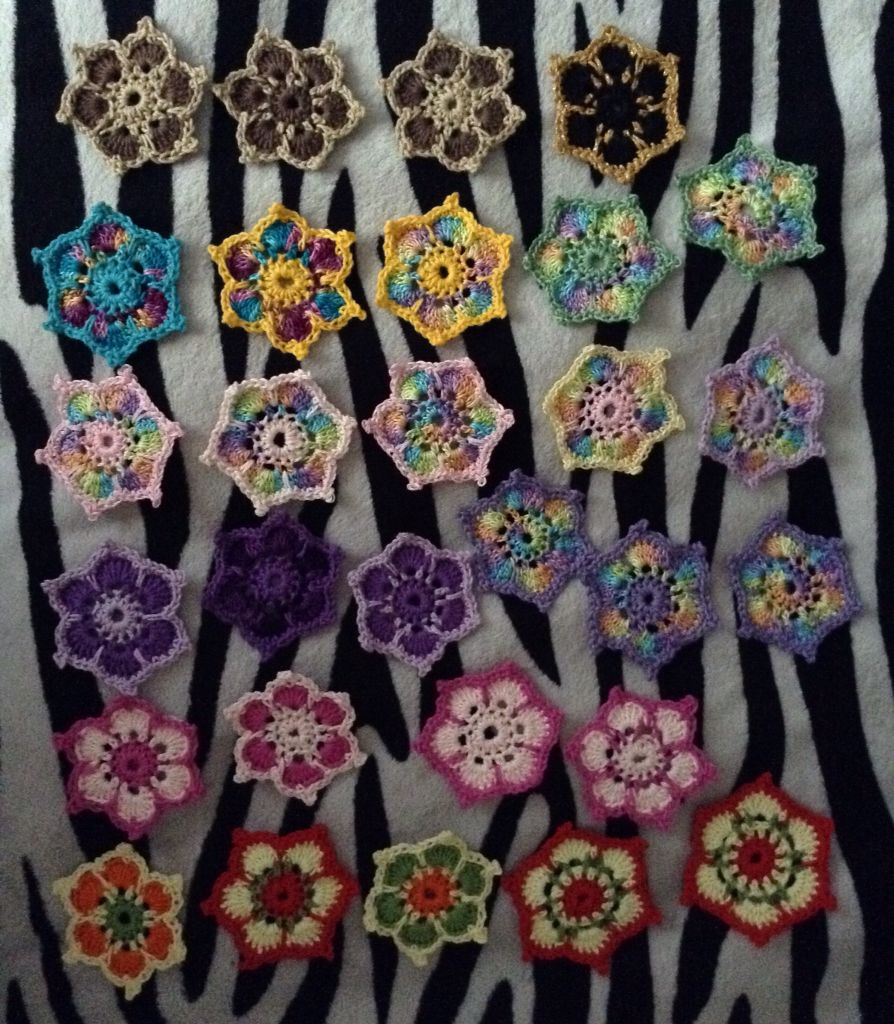 I made spool pin doilies | Vintage Sewing Machines | Pinterest ...