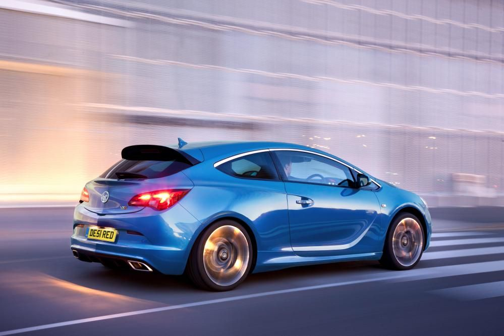 Vauxhall Astra Vxr Used Car Review Vauxhall Astra Vauxhall Vauxhall Insignia