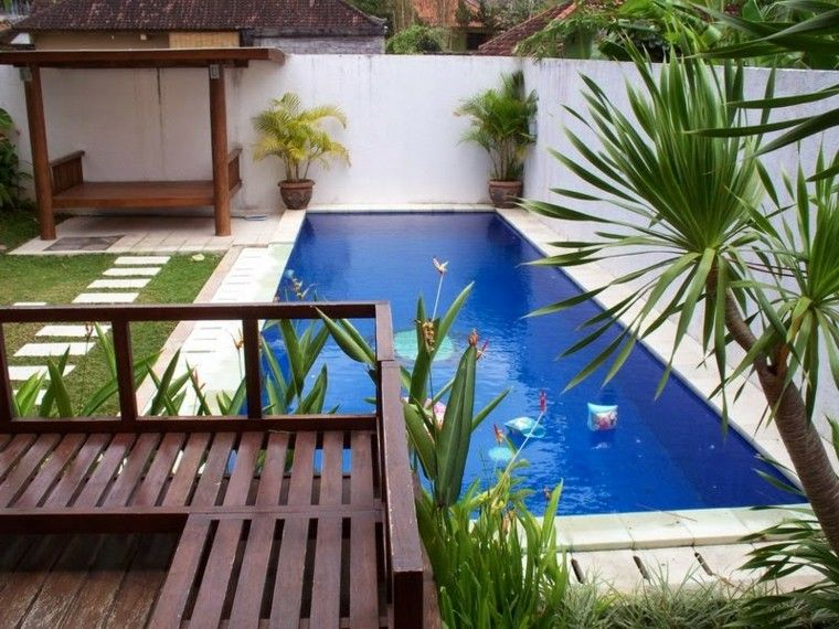 Piscinas y estanques para patios salacomdor pinterest for Disenos de piletas