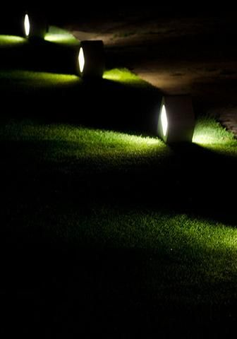 DAS D   Path Lighting   Path And Driveway Lights   LED Garden Lighting    Border