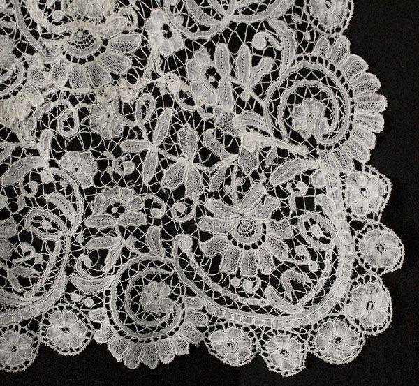 Antique lace at Vintage Textile: #2535 Duchesse lace wedding train