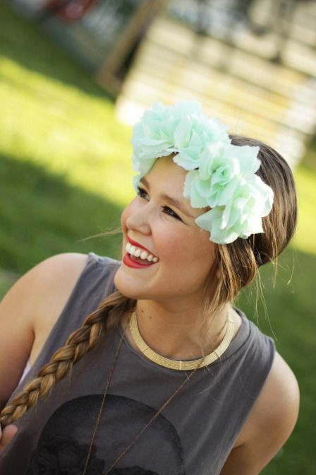 floral head piece giveaway