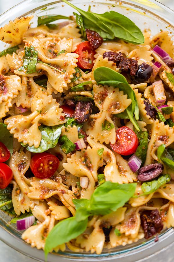 Vegan Spinach And Sun Dried Tomato Pasta Salad