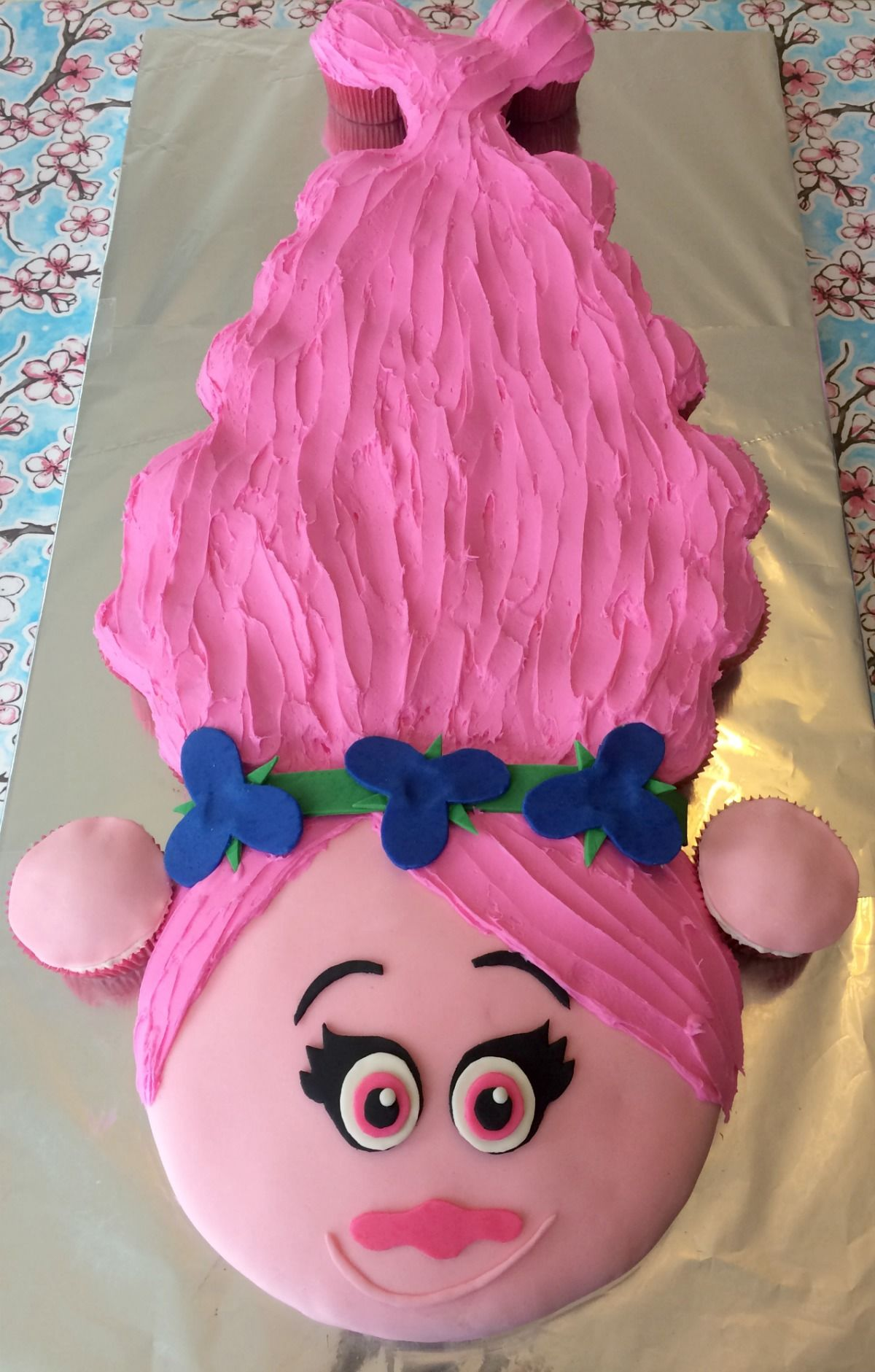 How to make a Princess Poppy cake with pullapart cupcake hair