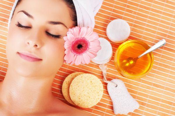 5 Usos do mel para Cuidados com a Pele e Cabelo !