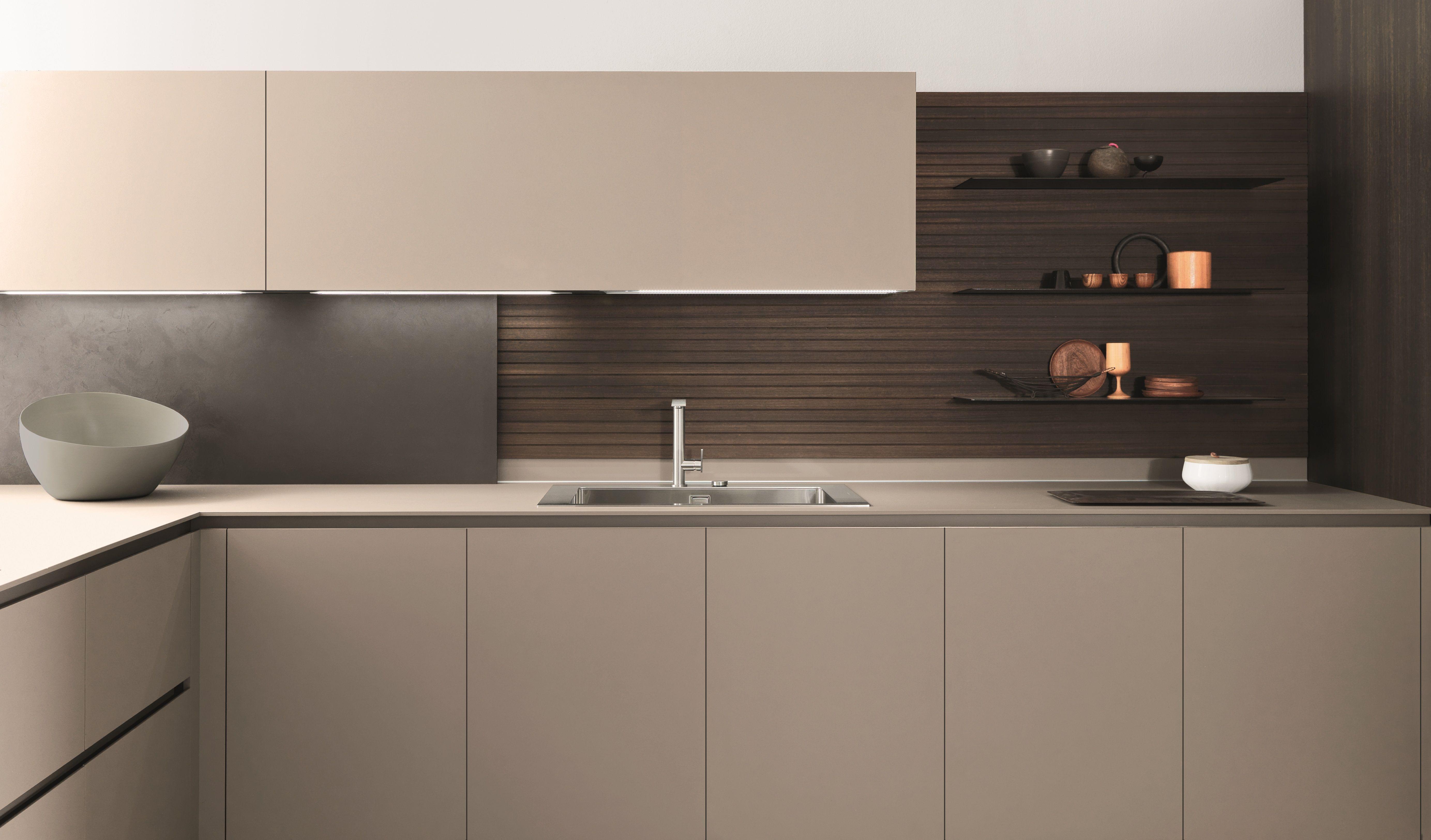 Modern Italian Kitchen With Contemporary Finishings In 2020 White Modern Kitchen Modern Kitchen Cabinets Kitchen Design