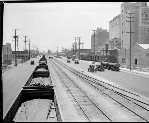 Southern Pacific Railroad Lines And Alameda St Los Angeles 1930 Photographs California History Model Train Scenery Los Angeles History