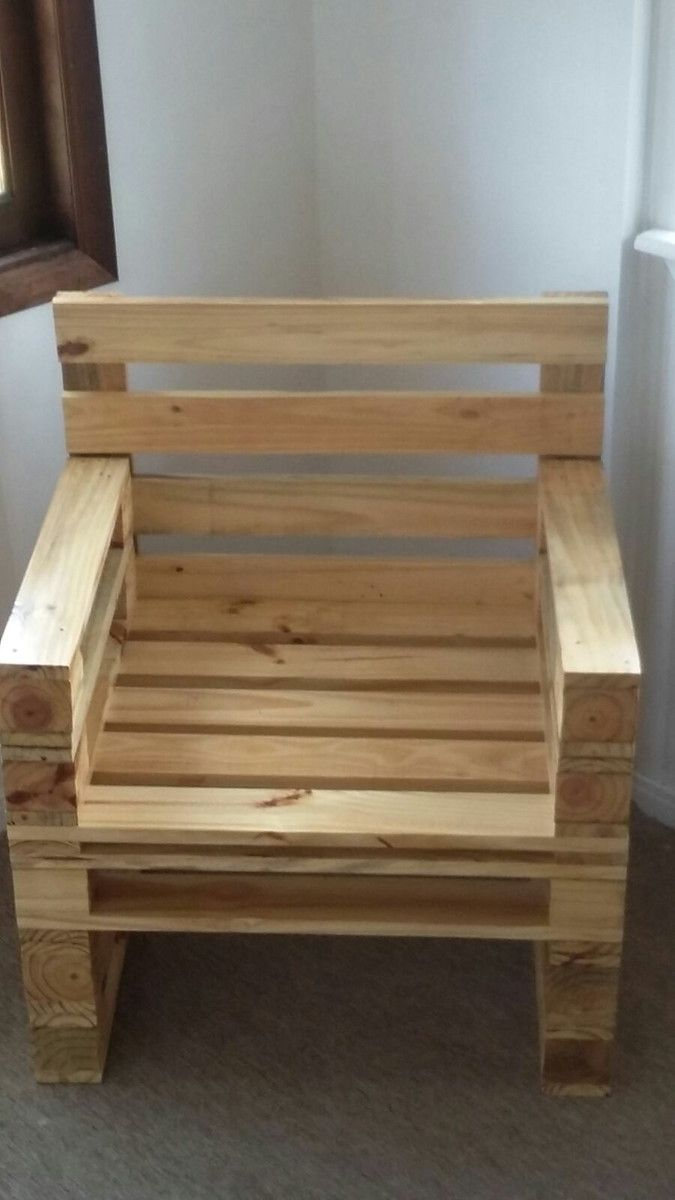 Amado Cadeira /poltrona de palet | Madeira reaproveitada, Mais cor por  SO07