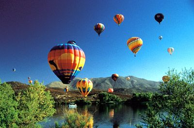 Baloon and Wine Festival!: ok woah! hot air baloons and wine? omg we need to get a group and go down to Temecula. This looks so fun!