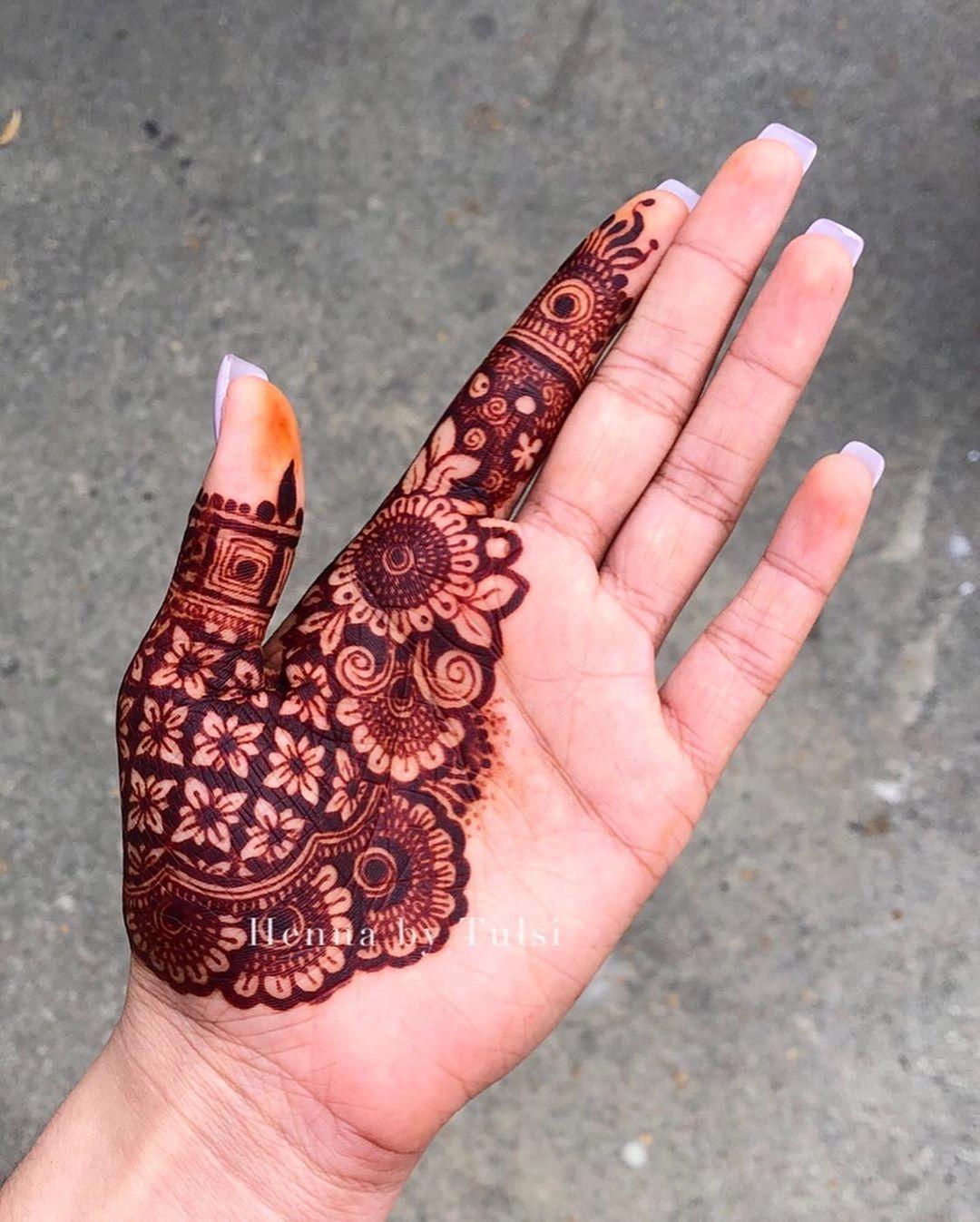 Throwback to this awesome wrap-around design I did. i still can't sleep! @nshennaco  #mehendi #mehndi #hennalove #henna #weddings #art #hennartist #feethenna #hennahands #instahenna #hennatattoo #bridalhenna #bridalmehendi #hennadesigns #hennainspire #hennainspo #mehandi #7enna #heena #pakistaniweddings #indianwedding #maharaniweddings #indianweddingbuzz #hennaart #losangeles #mehandidesigns #bridaldesigns #hennabridaldesign @hennainspo_ @awesomemehandi