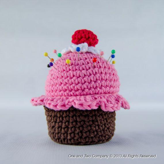 Patrón gratuíto de acerico-cupcake | Amigurumis y muñecos de punto ...