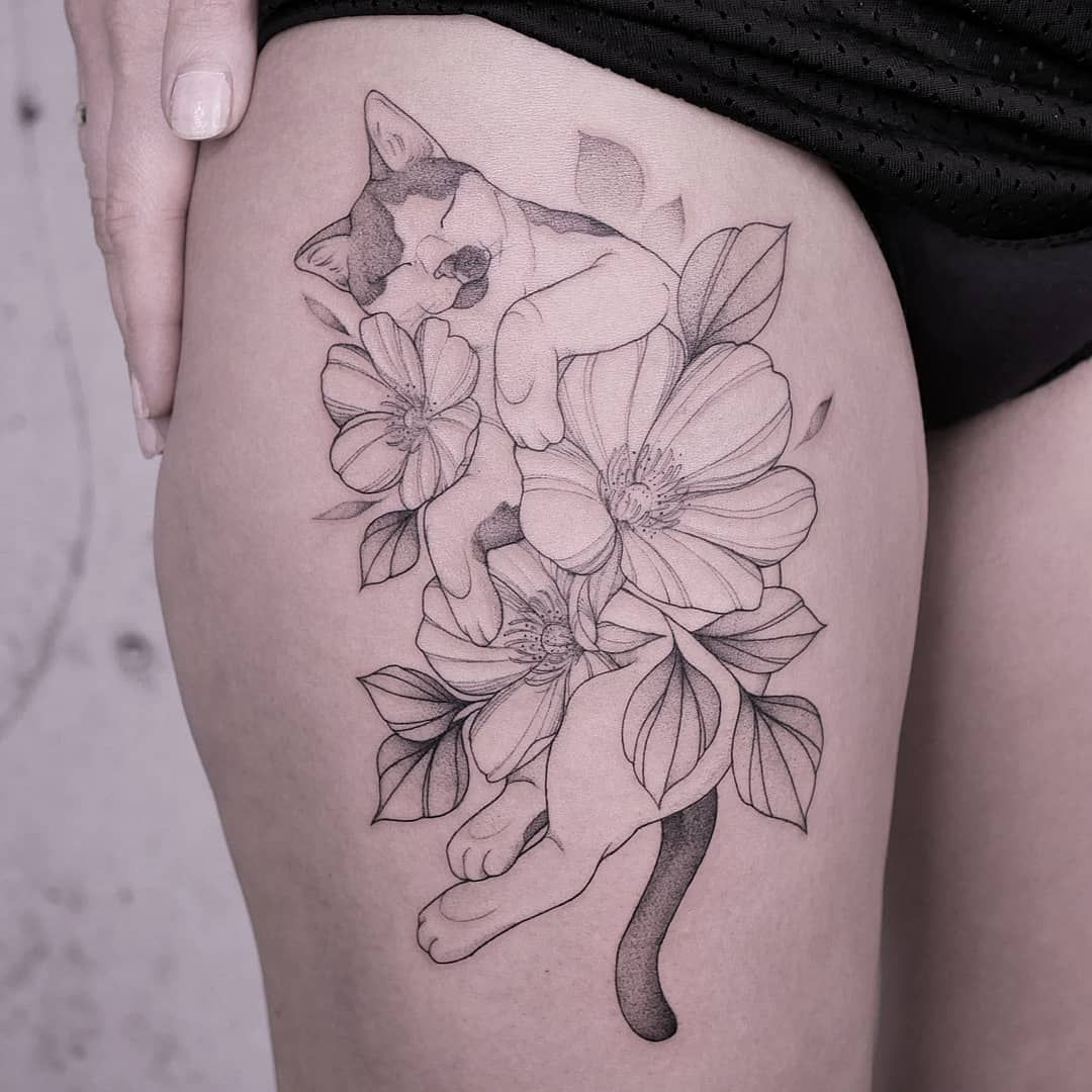 "Marina Latre Tattoo on Instagram: ""Kim's cat sleeping between flowers 🌸🖤 made in @alchemistsvalley Hamburg • • • • • #dotworktattoo #hamburgtattoo #hamburgink #fineline…"""