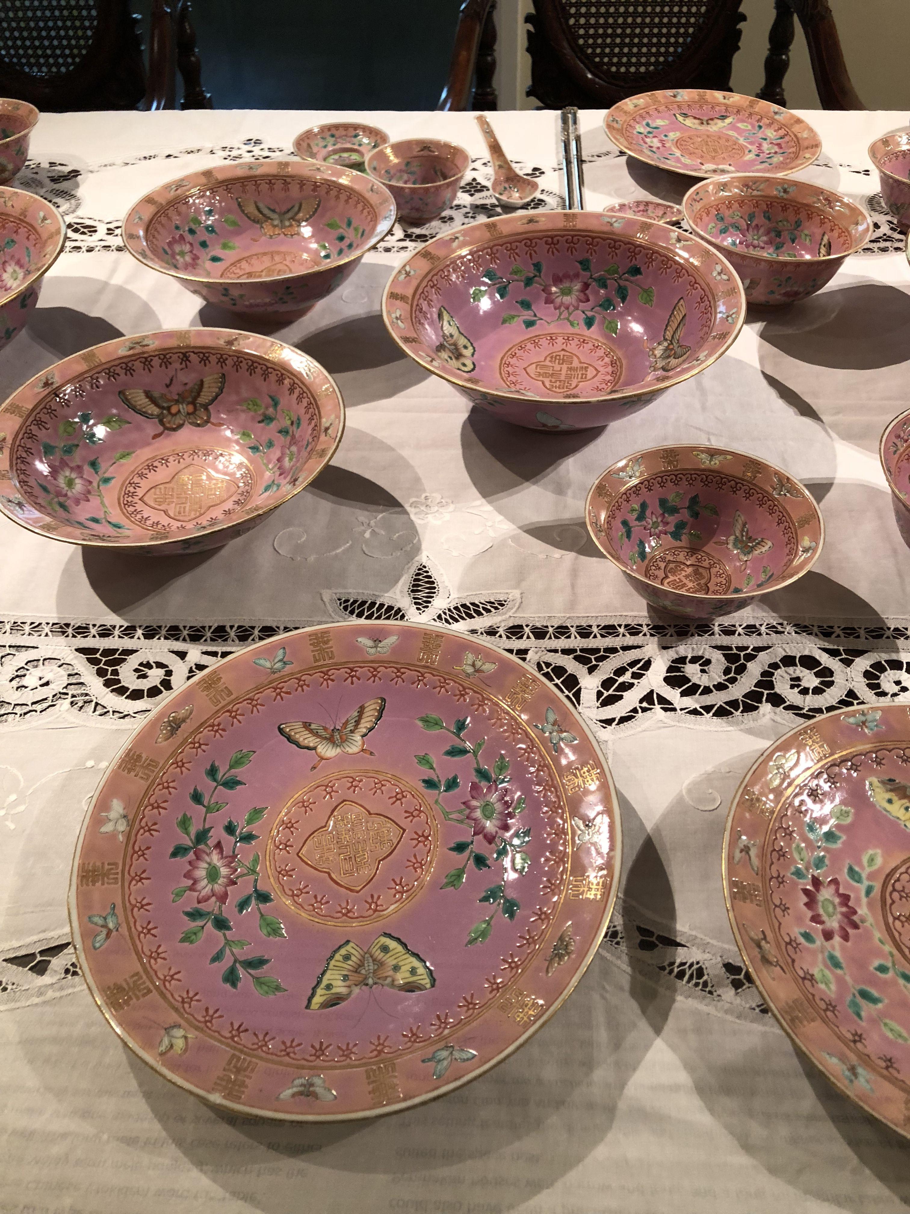 Peranakan Table Setting On Display At The Peranakan Museum In Singapore Decorative Bowls Asian Art Chinese Porcelain