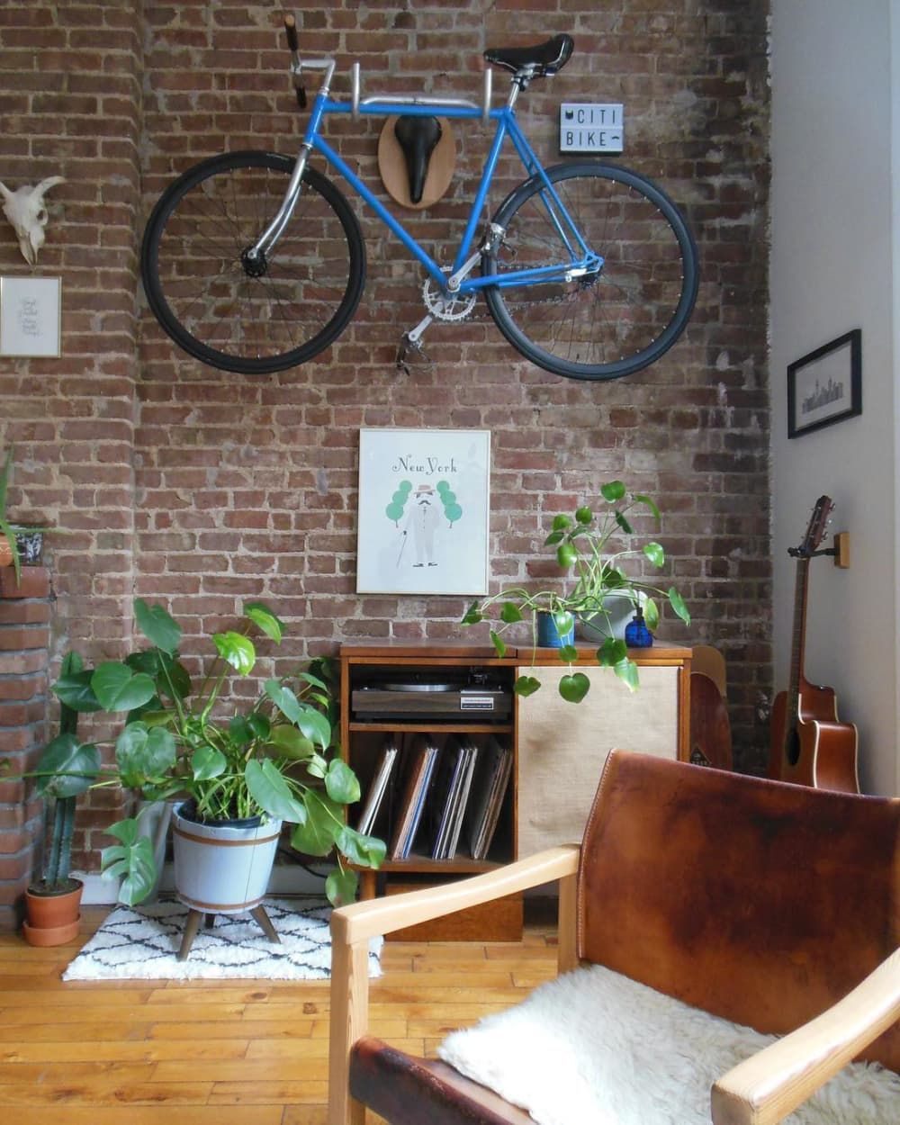 A 600SquareFoot New York City Apartment Has a Ton of