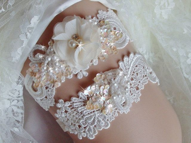 d3e71c1a6 Venise Lace Wedding Garter Set with Pearls