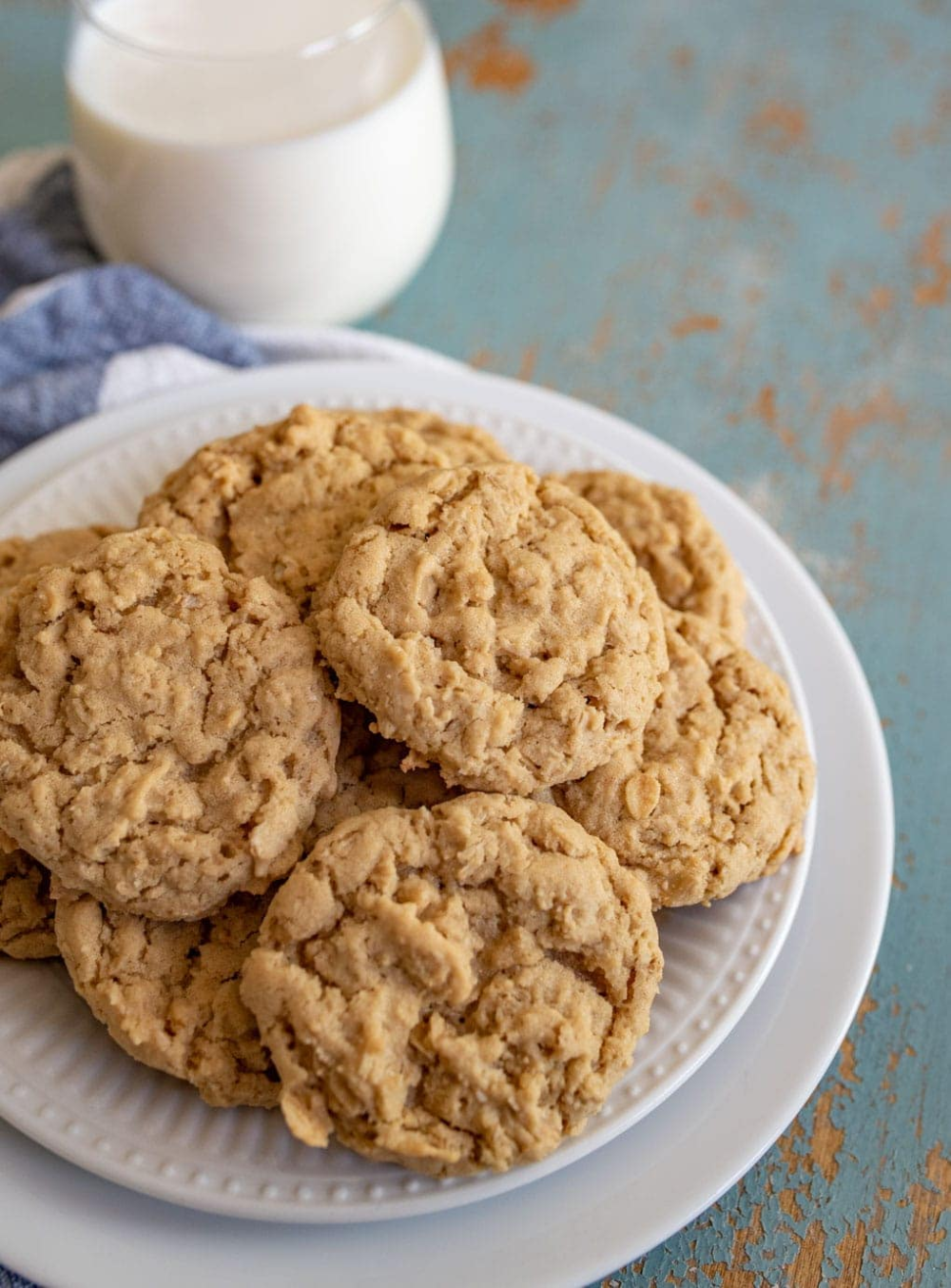 The Best Simple Oatmeal Cookie Recipe that turns out every time no recipes no chocolate just simple butter and oatmeal cookies that you can add or not what you like