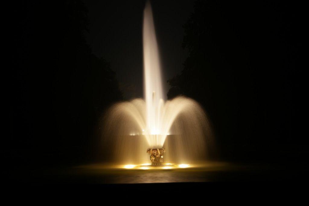 Illumination Kleine Und Große Fontäne In Den Herrenhäuser Gärten