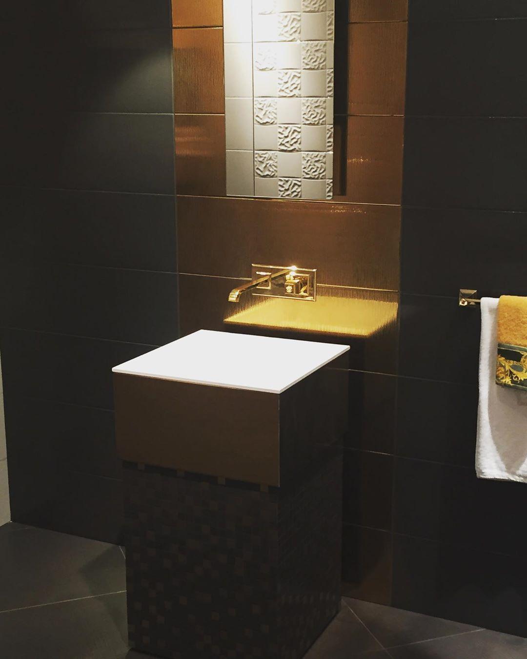 Luxury Luxus Fliesen Fliesenliebe Gold Tiles Bathroomdesign