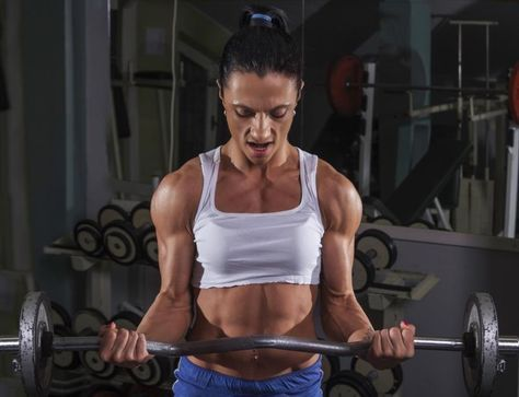Women need plenty of calories to bulk up muscle in addition to their muscle-building exercise program. A calorie-restricted or carbohydrate-restricted diet is not conducive to bulking up and is, in fact, counterproductive. The body requires a minimal amount of calories to maintain normal, everyday activities, but it needs a significant amount of...