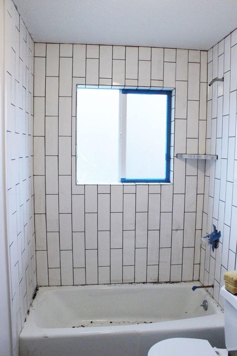Wie Man Eine Duschwanneneinfassung Kachelt Teil 2 Verfugen Versiegeln Und Abdichten Badezimmer Fliesen Verfugen Badewanne Fliesen