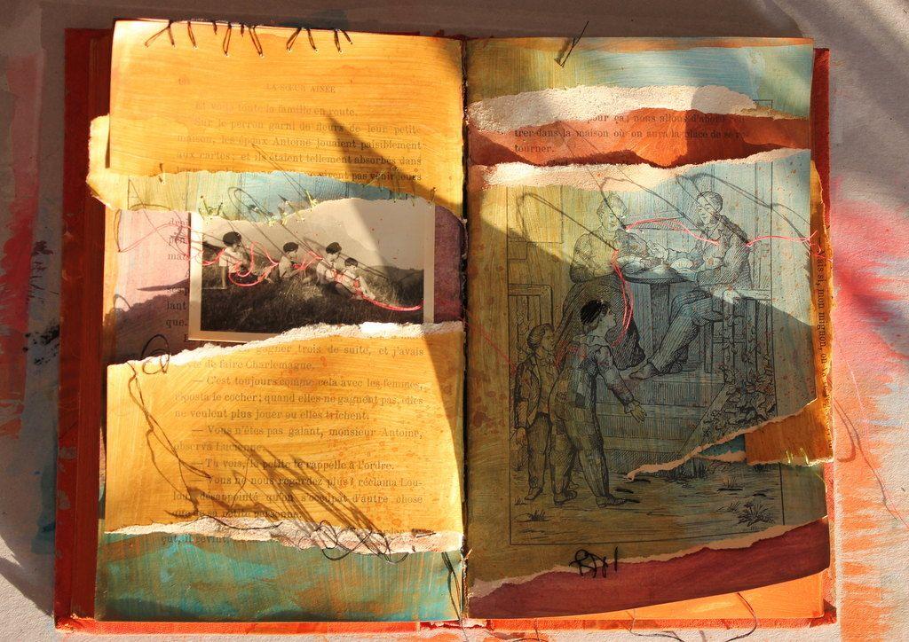Il s'agit d'un livre recyclé, peint et cousu. Une photographie est  brodée sur une de ses pages. Peinture a… | Comment peindre, Peinture, Peinture  abstraite
