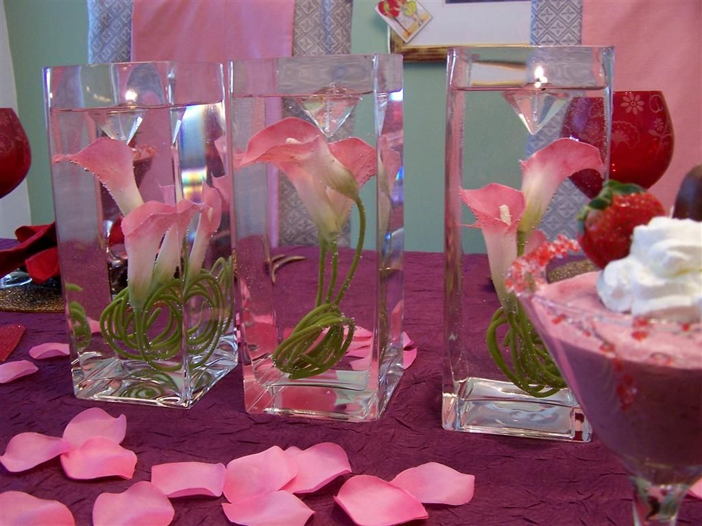 Lovely Valentines Table Decoration Ideas with Lily in Watered Glass  Centerpiece also Purple Table Cloth and Cute Pink Roses Flower for Romantic  Valentine ...