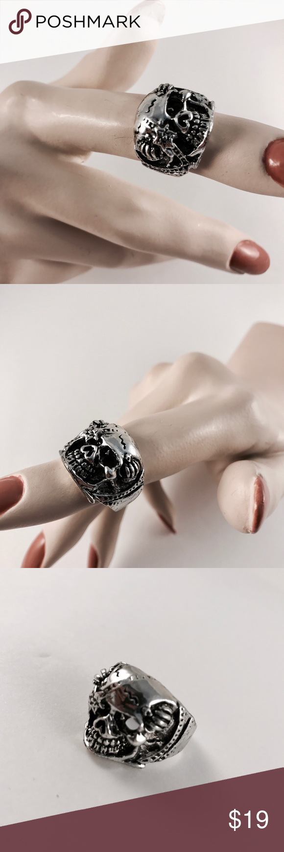 Vintage ring Vintage silver skull ring in approx. size 8 Jewelry Rings