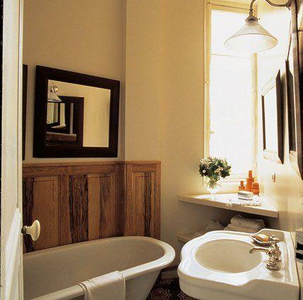 Une petite salle de bain meublée gain de place Bathroom Pinterest