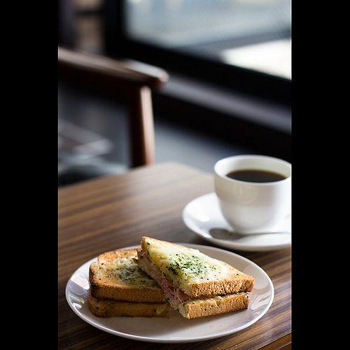 Ueshima Coffee Shop (by Masahiro Makino)