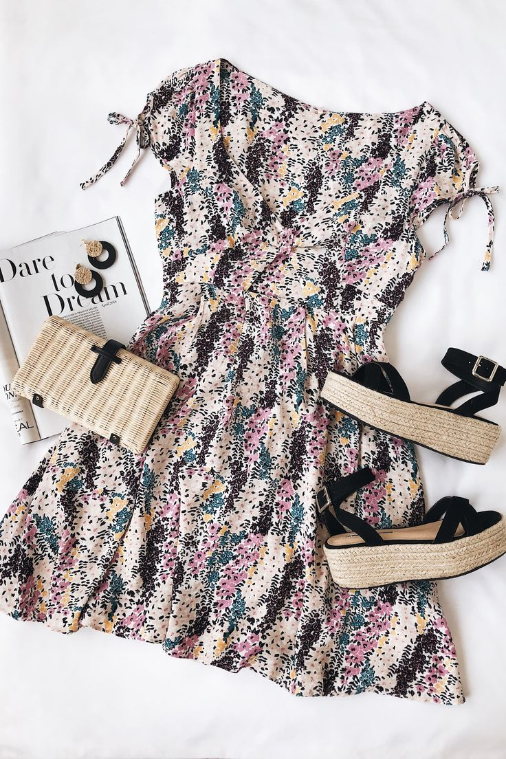 Miss Right Cream Floral Print Mini Dress