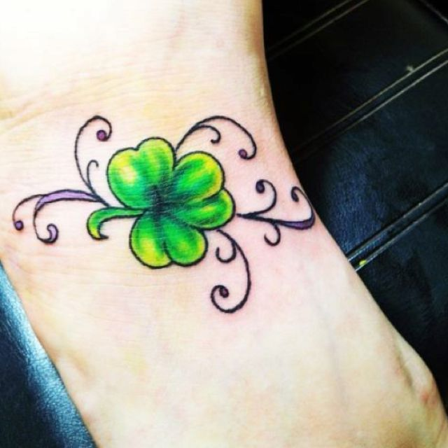 irish tattoo love the brightness tattoos pinterest irish four leaf clover and green. Black Bedroom Furniture Sets. Home Design Ideas