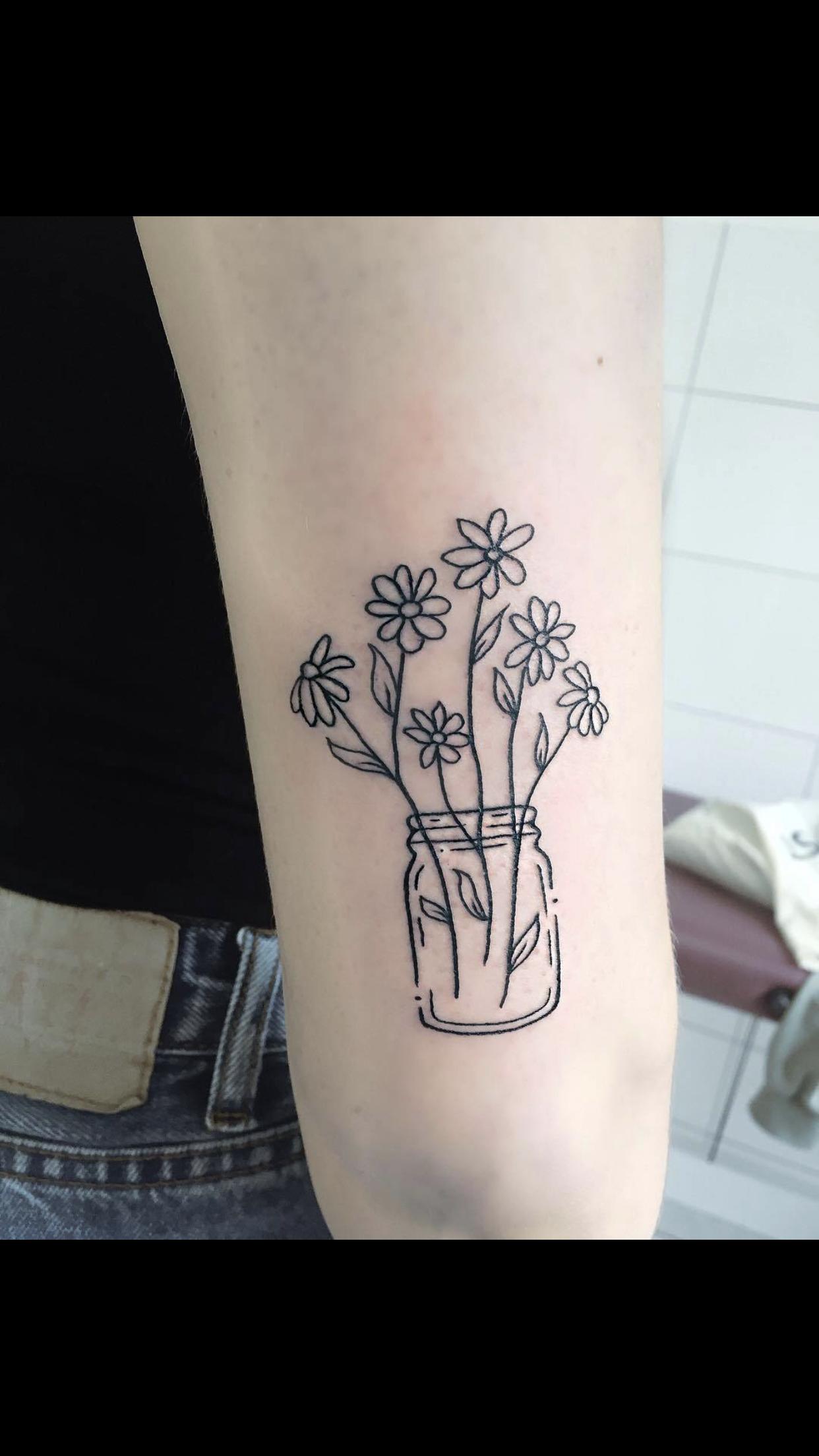Pin by abigail martinez on Tattoos Daisy tattoo designs